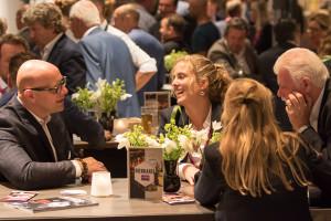 Gastvrij Rotterdam is de vakbeurs voor horecaprofessionals.Gedurende drie dagen staat Ahoy in het teken van culinaire hoogstandjes, innovatieve producten en oplossingen voor food en non-food in de horeca. Gastvrij Rotterdam richt zich voornamelijk op de horecabranche in het midden- en hoogsegment, zoals chefs, souschefs, maîtres d'hôtel, sommeliers, bartenders, barista's, eigenaars van restaurants, brasseries, hotel-restaurants, catering- en traiteurbedrijven, cafés, snackbars, lunchrooms en managers en inkopers uit de zorg- en recreatiesector. | Foto © Charles Batenburg